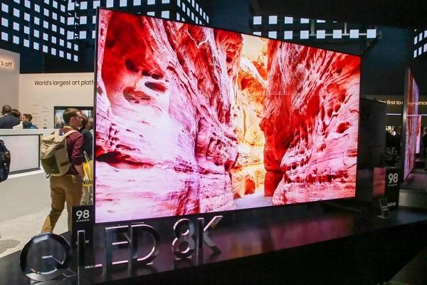 """QD-OLED sẽ giúp Samsung """"sòng phẳng"""" với LG như thế nào?"""