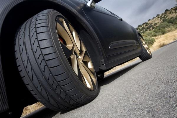 Tại sao lốp ô tô, xe máy có rãnh, gai?