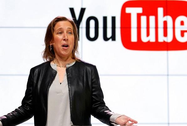 """Sự nghiệp của """"bà trùm"""" YouTube, người từng cho Google thuê ga-ra làm trụ sở, nhân viên thứ 16 của Google"""