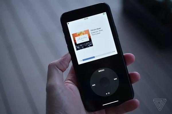 Apple gỡ bỏ ứng dụng biến iPhone thành iPod ảo có click wheel