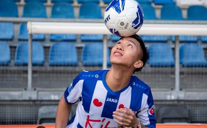 Văn Hậu bất ngờ vào sân ở đội 1 Heerenveen ở phút 89, nhận ngay thẻ vàng sau đó 3 phút