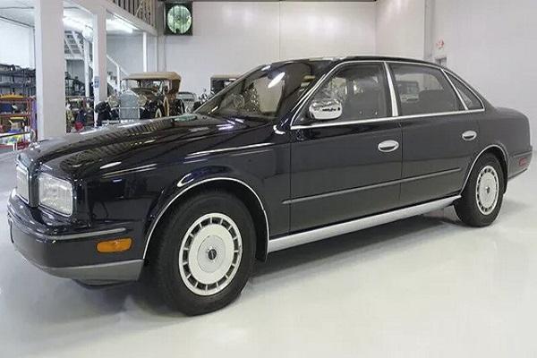 Xe tổng thống Nissan rao bán chưa tới 400 triệu đồng, chất lượng vẫn như mới
