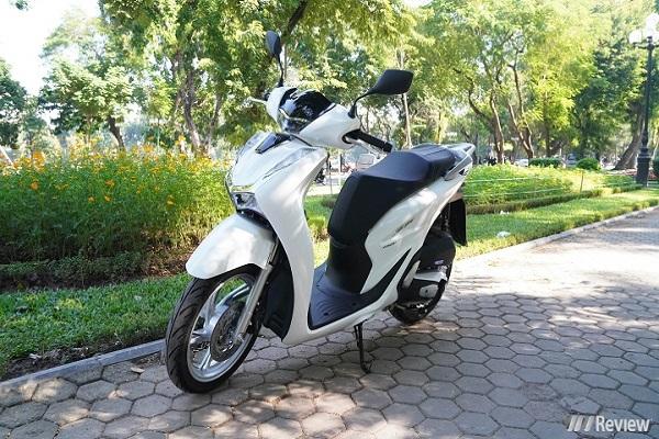 Tăng hơn 20 triệu, Honda SH 2020 lép vế SH 2019 vì bị chê thiết kế xấu