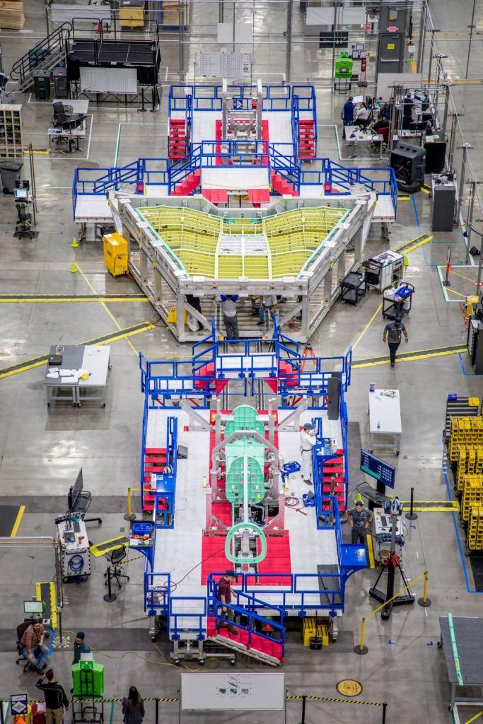 Hình ảnh phần thân chính của X-59 đang trong quá trình lắp ráp (Ảnh: Lockheed-Martin)