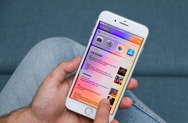 iPhone 8 Plus hàng bãi giá 5 triệu đồng ở Việt Nam