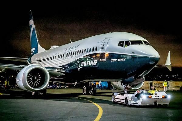 Boeing sa thải CEO sau bê bối máy bay Boeing 737 Max bị ngừng sản xuất