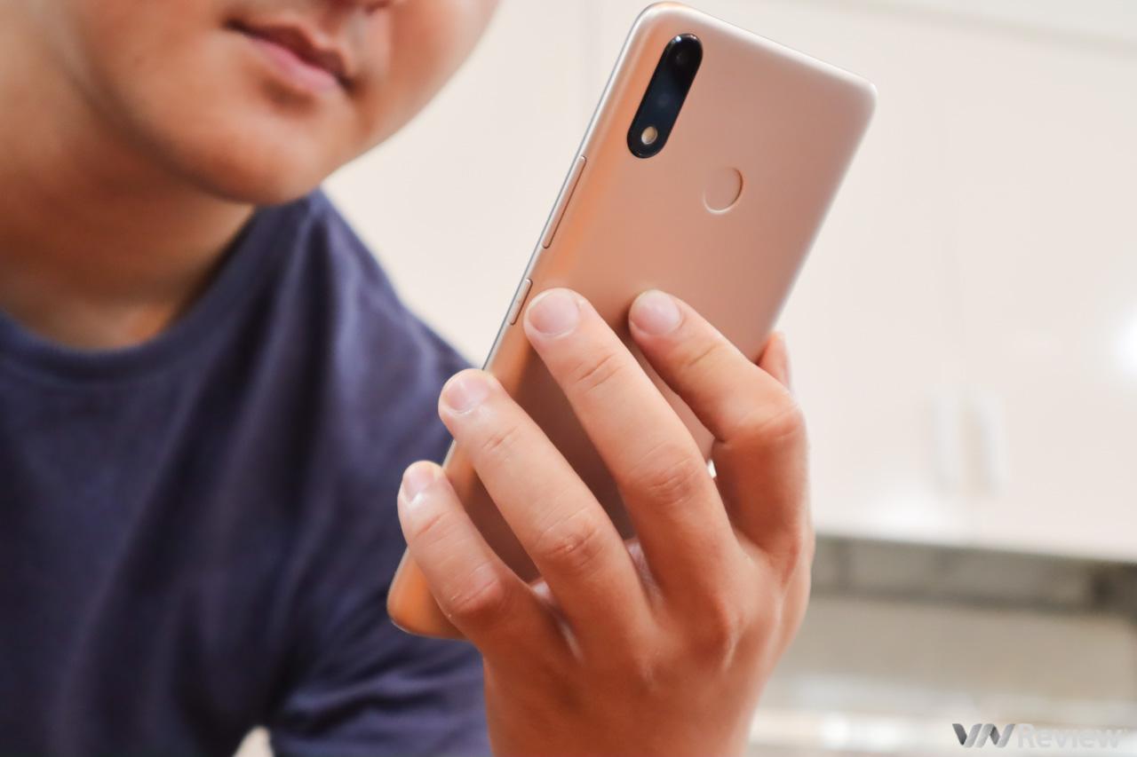 Đánh giá itel S33: smartphone dưới 1 triệu rưỡi chỉ là đồ bỏ?