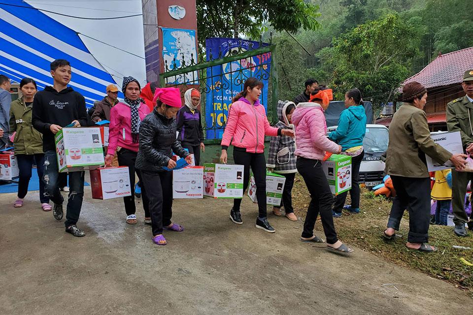 Điện máy Xanh tặng 10.000 nồi cơm điện cho các hộ nghèo