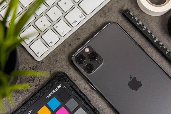 """Apple """"khoe"""" khả năng quay phim của iPhone 11 Pro với đoạn video cận cảnh lửa và băng"""