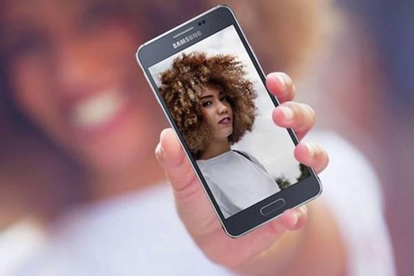 Nhìn lại Galaxy Alpha: Bước ngoặt về thiết kế cho Samsung Galaxy S