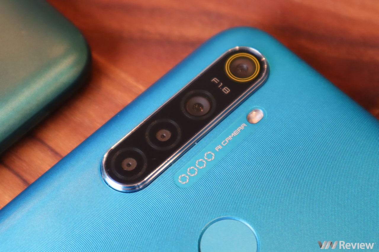Trên tay Realme 5i vừa bán ra tại Việt Nam: đơn thuần là chiếc Realme 5 thay vỏ và giảm bớt camera trước