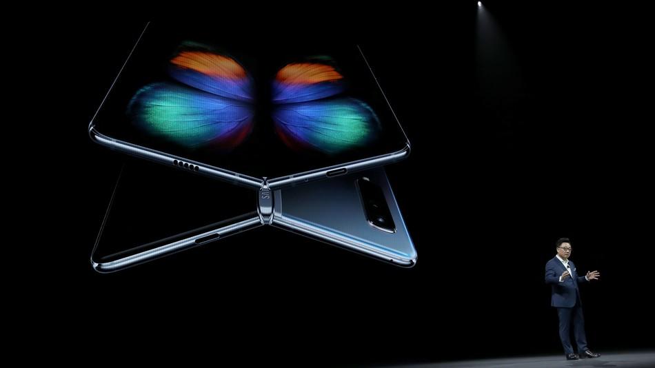 Không còn nhầm lẫn! Sếp Samsung nói đã bán được ít nhất 400.000 Galaxy Fold