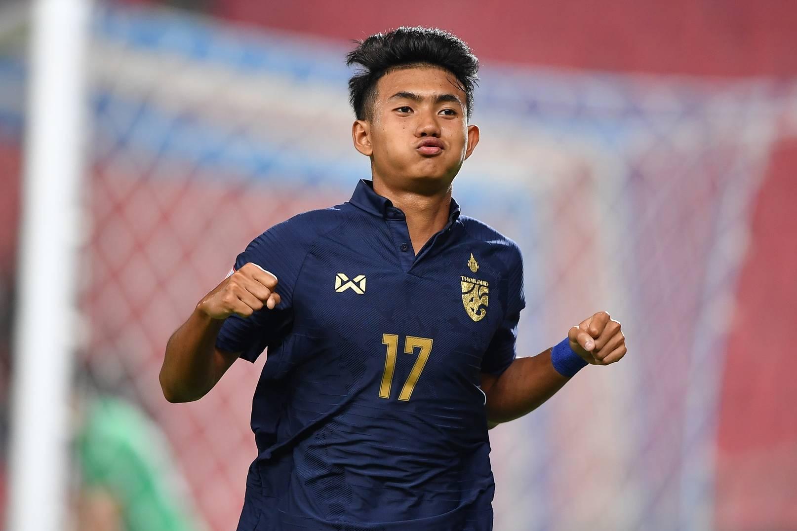 'Thần đồng' 17 tuổi của Thái Lan ghi 2 bàn vào lưới U23 Bahrain từng 'vượt mặt' Văn Hậu