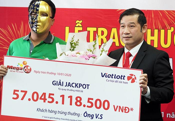 Tài xế Grab trúng Vietlott hơn 57 tỷ đồng vẫn tiếp tục chạy Grab