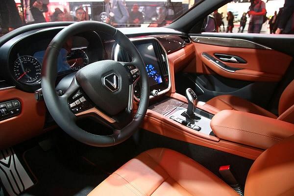 Hiện tượng trả lái chậm mà xe VinFast Lux mắc phải là gì? Vì sao?