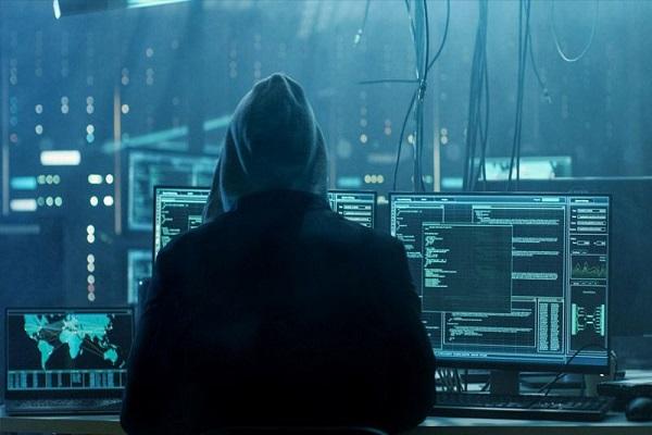 Lấy danh nghĩa nhân viên Apple, một hacker đã lừa được 16.000 USD