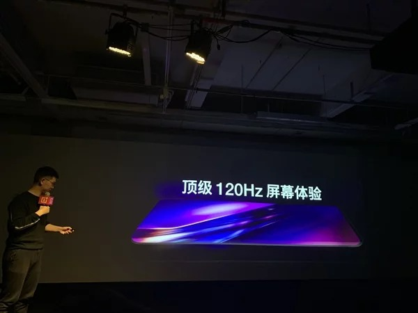 OnePlus 8 sẽ sở hữu màn hình OLED 2K với tốc độ làm tươi 120Hz