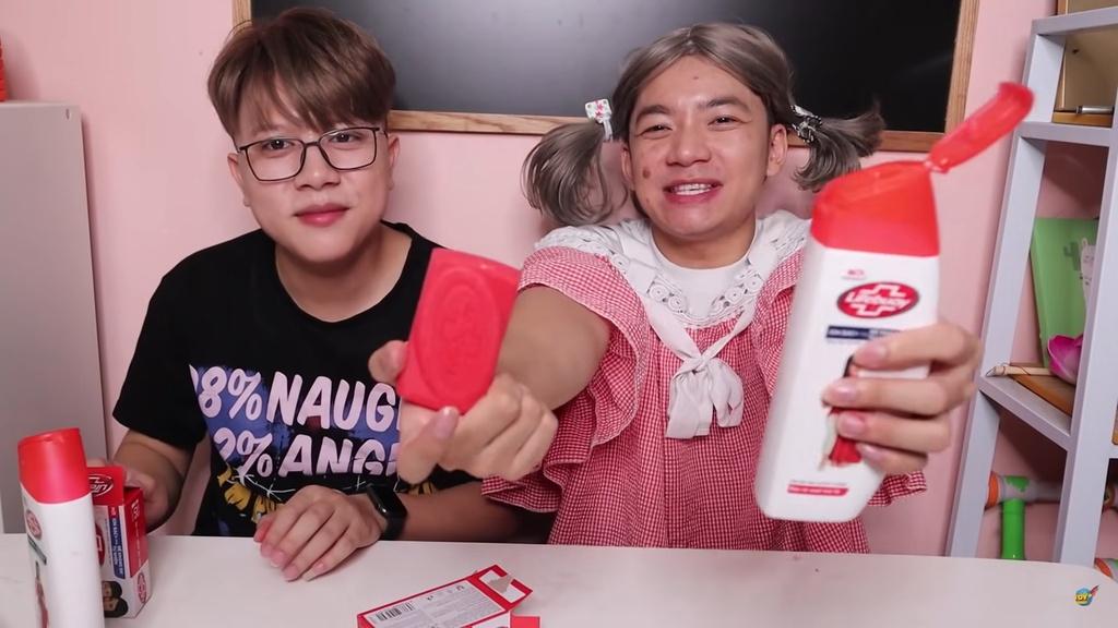 YouTube Việt Nam tràn ngập video làm hại trẻ em
