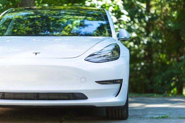 Cuộc thi cho hacker: Tặng xe Tesla miễn phí và gần 1 triệu USD cho ai hack được xe Tesla Model 3