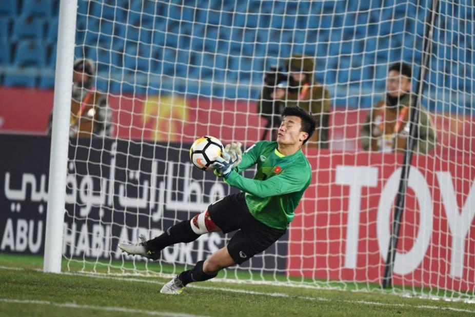 Bùi Tiến Dũng có đáng bị chỉ trích thậm tệ sau trận U23 Việt Nam thua U23 Triều Tiên đêm qua?