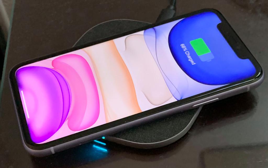 Apple chỉ cần thay thế cổng Lightning trên iPhone, không nên xóa bỏ hoàn toàn cổng kết nối