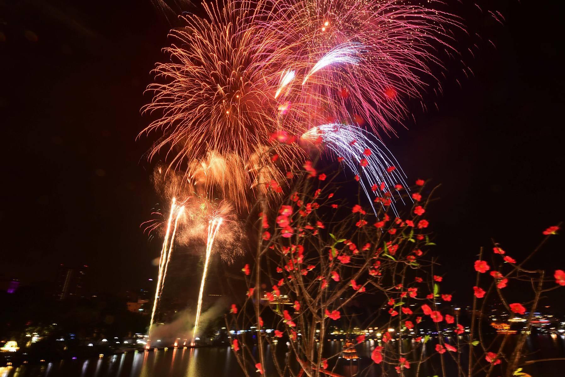 Địa điểm bắn pháo hoa Tết Canh Tý 2020 ở Hà Nội và Thành phố Hồ Chí Minh