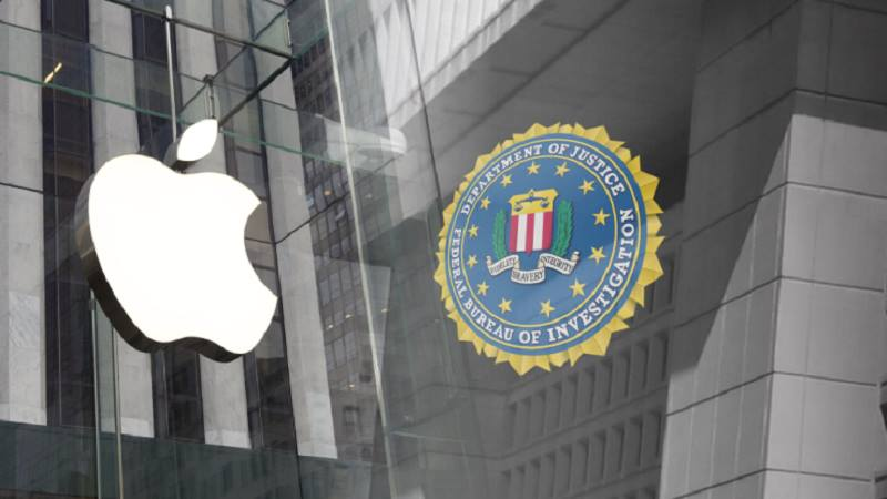 Apple từng định mã hoá các bản sao lưu của người dùng trên iCloud, nhưng bị FBI ngăn cản. Mặc dù Apple không thể đọc được các dữ liệu người dùng lưu trữ cục bộ trên iPhone, nhưng công ty công nghệ Mỹ vẫn có thể