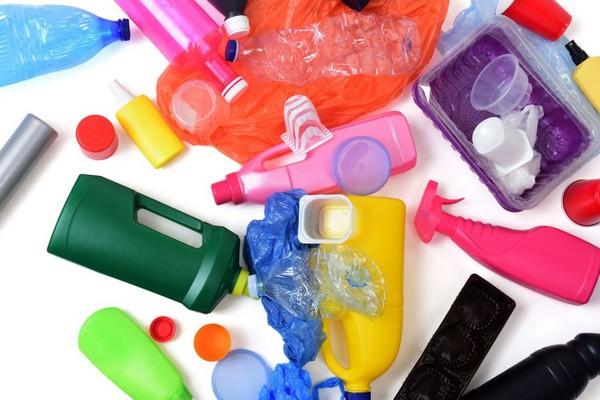 """Chúng ta sắp phải đối mặt với một """"đại dịch nhựa"""" đe dọa tấn công cả thế giới"""