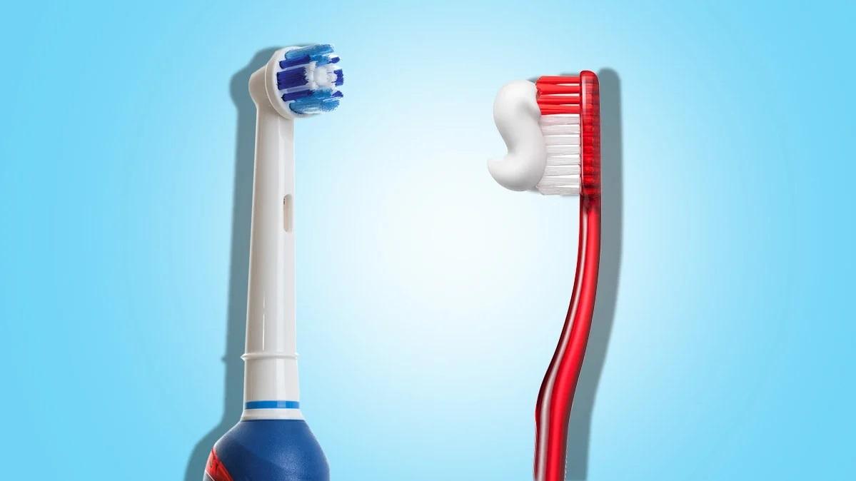 Bàn chải điện hay bàn chải truyền thống tốt cho răng miệng hơn?