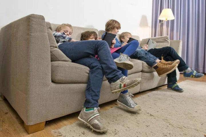 Phụ gia chống cháy khiến trẻ em sụt giảm hàng ngàn điểm IQ, nguy hiểm hơn cả chì hay thủy ngân