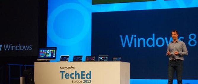Microsoft: Tablet sẽ bán chạy hơn máy tính để bàn vào năm tới