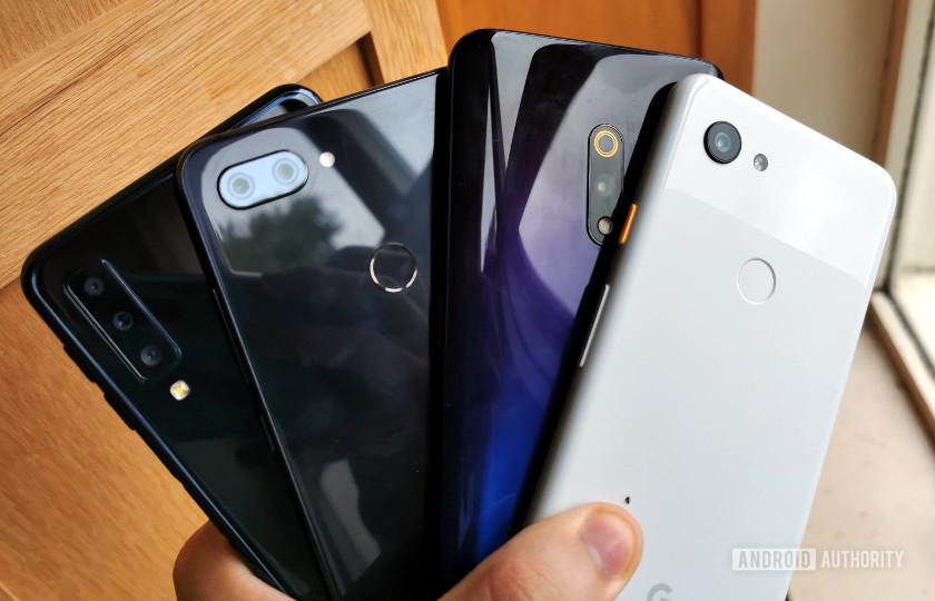Quên flagship đi, những chiếc điện thoại tầm trung đang tạo ra những bước nhảy vọt lớn về công nghệ