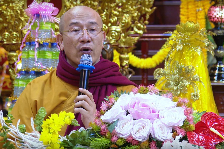 """Trụ trì chùa Ba Vàng Thích Trúc Thái Minh bất ngờ tái xuất, bày cách """"hóa giải"""" virus Corona"""