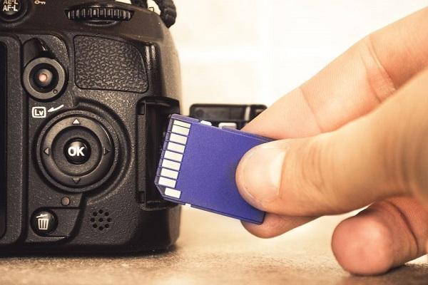Cách khôi phục lại các hình ảnh đã xóa từ thẻ nhớ SD