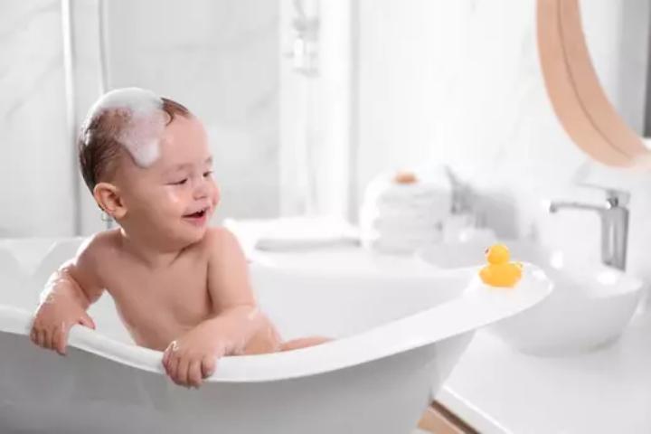 Kết quả hình ảnh cho Bồn tắm cho trẻ em mua ở đâu tốt