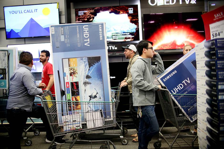 TV năm 2020 sẽ ngày càng to hơn, rẻ hơn, 8K xuất hiện nhiều hơn