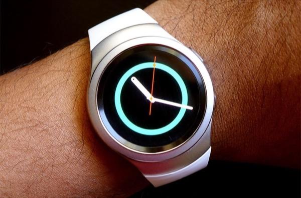 Smartwatch Samsung 5 năm tuổi bất ngờ được cập nhật