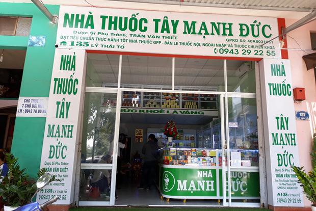 Phát hiện nhà thuốc tại Buôn Ma Thuột găm gần 2.000 khẩu trang dù báo hết hàng, phạt 20 triệu đồng, rút giấy phép hoạt động