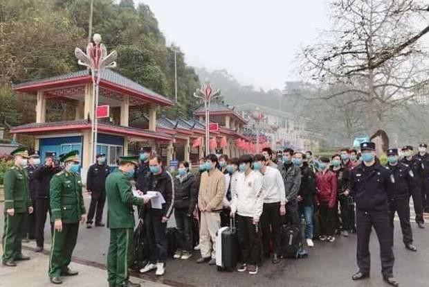Cận cảnh khu cách ly tại doanh trại quân đội ở Lạng Sơn