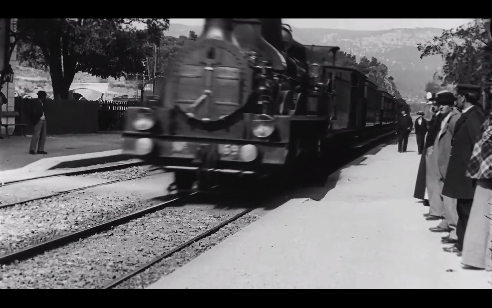"""Đoạn phim """"cổ lỗ sĩ"""" quay năm 1896 được nâng độ phân giải lên 4K 60fps nhờ trí tuệ nhân tạo"""