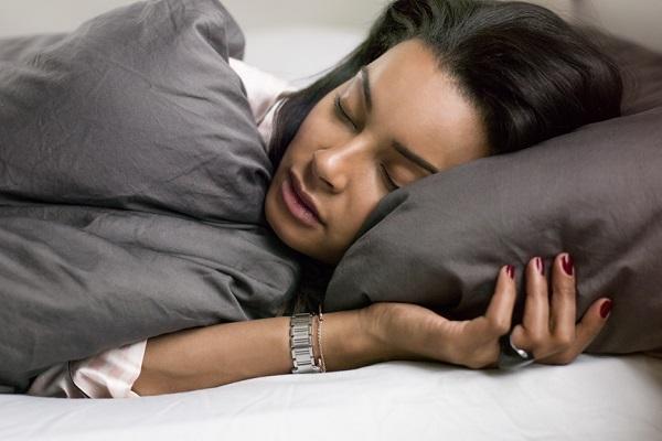 Dữ liệu giấc ngủ từ thiết bị đeo cho chúng ta biết điều gì?
