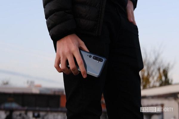Chính phủ Hoa Kỳ dùng dữ liệu điện thoại để theo dõi và bắt giữ người nhập cư