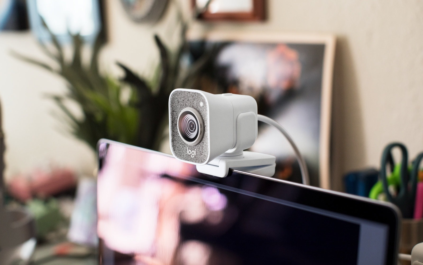 Logitech tung ra StreamCam, chiếc webcam hướng đến streamer, giá 170 USD