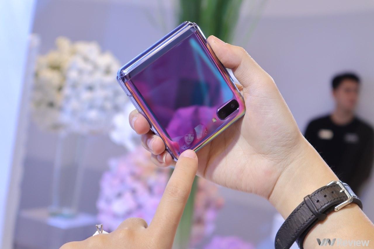Samsung bán điện thoại gập dọc Galaxy Z Flip tại Việt Nam từ 21/02, giá 36 triệu đồng