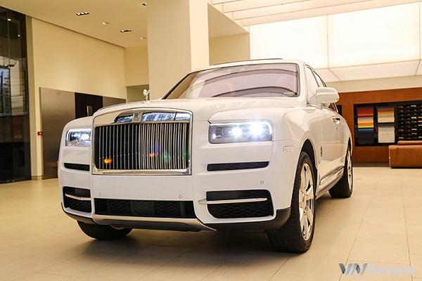 Cận cảnh Rolls-Royce Cullinan mẫu SUV cho giới siêu giàu
