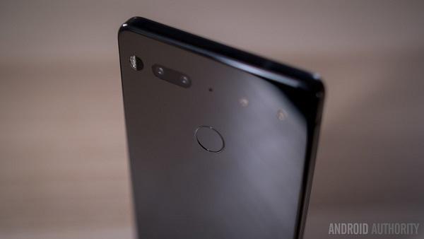 """Essential Phone chính thức nhận """"cái kết đắng"""""""
