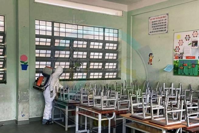 Học sinh TP.HCM, Hà Nội sẽ đi học trở lại từ 17/2, văn bản cho học sinh nghỉ học tiếp là giả