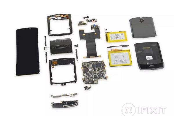 """iFixit đánh giá quá trình """"mổ bụng"""" Motorola RAZR là """"cực kỳ phức tạp"""""""