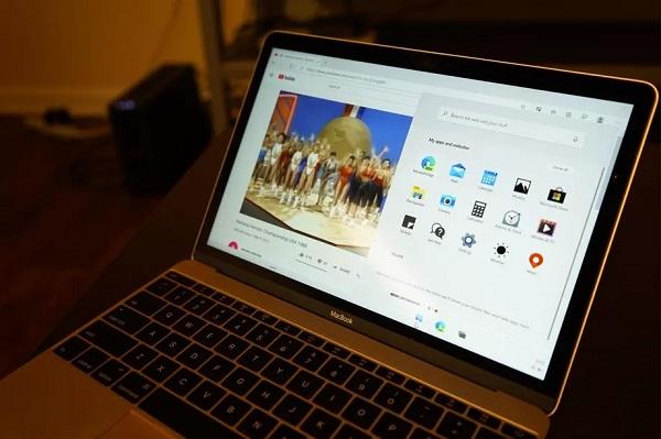 Windows 10X đã được một vài người dùng tự cài lên MacBook và Surface Go