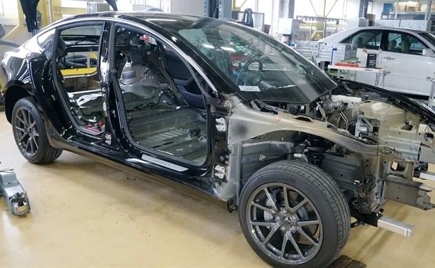 Bóc tách chiếc Tesla mới thấy Công nghệ điện tử của hãng xe Mỹ đi trước Toyota và Volkswagen khoảng 6 năm